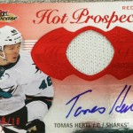 2013-14-NHL-Fleer-Showcase-Autograph-Fight-Strap-Tomas-Hertl
