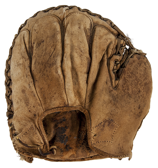 1912 Babe Ruth Catchers Mitt Goldin Apirl 2016