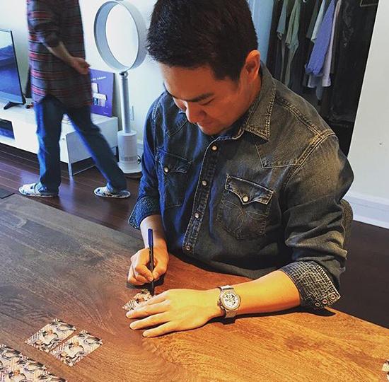 Masahiro Tanaka Signing Autographs Topps