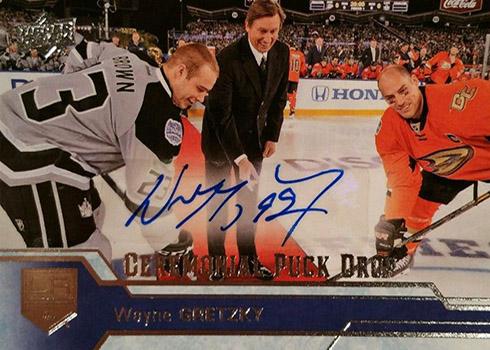 2016-17 UD Ceremonial Puck Drop CPD-9 Wayne Gretzky Autograph