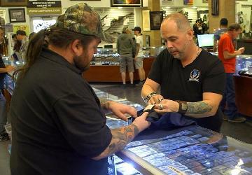 Steve Grad Inspects Tom Petty Autograph on 'Pawn Stars'