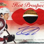 2013-14-NHL-Fleer-Showcase-Red-Glow-Autograph-Glove-Nathan-MacKinnon
